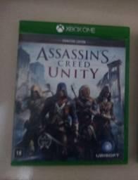 Vendo Assassin scred unity novo