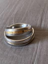 Par de anéis de aço dourado e prata e anel de prata com brilhante da Prata Rara