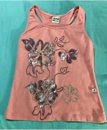 Camiseta de malha feminina com estampa de flor com lantejoulas