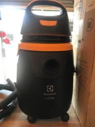 Aspirador de Pó Electrolux pó e água completo