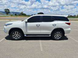 Hilux sw4 2017 5 lugares