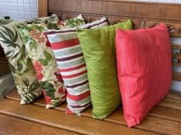 Almofadas com tecido impermeável