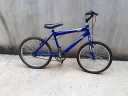Bicicleta aro 20 em ótimo estado
