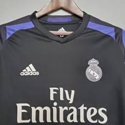 Título do anúncio: Camisa retro real madrid