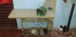 Máquina de costura e bomboniere