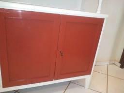 Título do anúncio: armário antigo (para atendimento rápido ligue ou chame no zap)