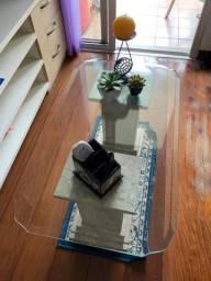 Vendo mesa de centro pequena com tampo de vidro