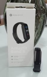 Relógio Smartwatch Xiaomi Amazfit Band 5 A2005- Preto - C/ Oxímetro e Conexão Alexa