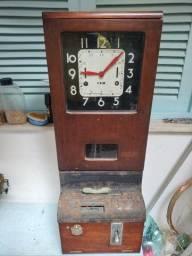 Título do anúncio: Relógio de ponto antigo