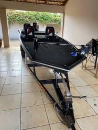 Vendo Barco Sport Náutica Pro Fishing 550 motor 50HP 2T Mercury com partida elétrica