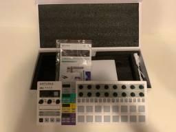 Arturia Beatstep Pro Controlador, Sequenciador MIDI - Novo na caixa,  nunca usado!