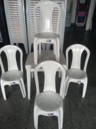 Conjunto bistrô branco 4 cadeira e mesa