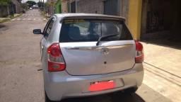 Vendo Toyota Etios HB XLS