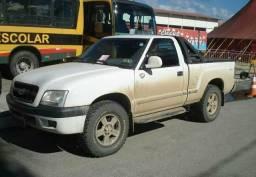 Compro pneu aro 15 235/75/15 usado
