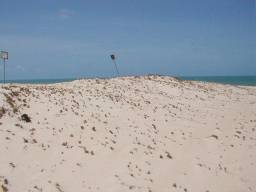 Excelente terreno com 900 mts 2, a 30 ms da praia em Beberibe- Morro Branco