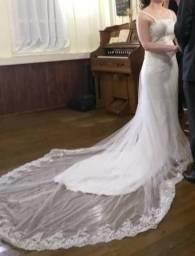 Vestido De Noiva Sereia Longo Bordado Em Prata Com Calda P/M