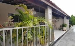 LN 22 -Casa em cond fechado na Cohama l110m² e 03 quartos