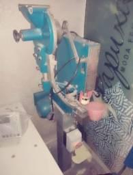 Máquina de pregar botao jeans
