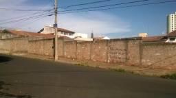 Vendo 3 Terrenos Juntos , ou Separados - Jardim Aeroporto - Bem Localizado