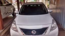 Nissan VERSA 1.6 Completo. SL - 2013