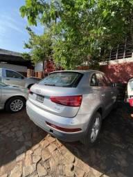 Sucata para retirada de peças- Audi Q3