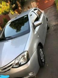 Vendo Etios Sedan XS completo - 2014