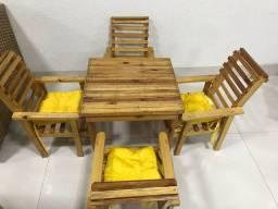 Mesa infantil 4 cadeiras