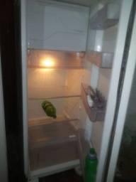 Vendo geladeira eletrolux
