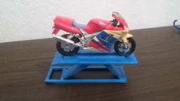Miniatura Rampa de oficina para miniaturas de moto 1:18