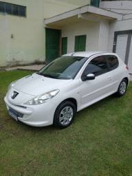 Vendo ou troco Peugeot 207 1.4 XR 2012/13 única dona