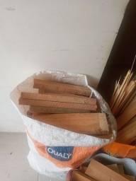 Vendo lenha ensacada de pinus