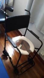 Título do anúncio: Cadeira de banho.