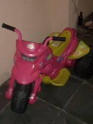 Moto elétrica feminina