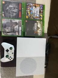 Xbox one S 500gb + 4 jogos e 1 controle
