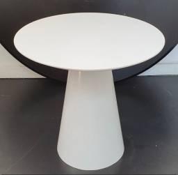 Mesa lateral branca