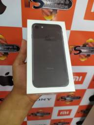 """Iphone 7 preto 32 gb Lacrado Garantia 1 Ano Apple"