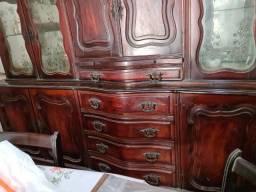 Buffet com Cristaleira Chippendale antigo de madeira maciça