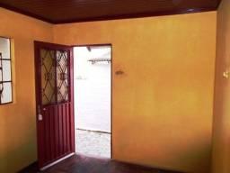 Casa 2 dormitórios de fundos com vaga e pátio individual na Vila Nova
