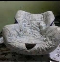 Título do anúncio: Vende se um bebê conforto ele e completo