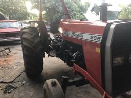 Trator de pneus MF265 1989