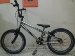 Bike aro 20 cromada. estudo proposta de contrabaixo