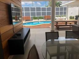 Casa em Condomínio Fechado - 04 Suítes - Nascente