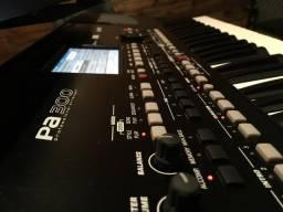 Vendo teclado arranjador Korg PA 300 em perfeito estado com semi case
