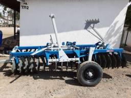 Grade niveladora baldan 42/22 com pneus de transporte , discos novos , revisada . R$13.000