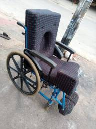 Cadeira de rodas usada confortavel (ENTREGO)