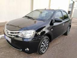 Etios Sedan Platinum 1.5 2014 - 2014