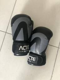 Luvas de Boxe Acte Usadas por pouco tempo