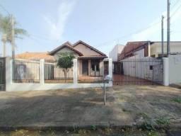 Locação | Casa com 75,00 m², 3 dormitório(s), 2 vaga(s). Vila Morangueira, Maringá
