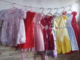 Lote de vestidos infantil semi novo!