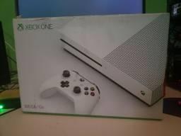 Xbox One S 512GB + 6 Meses de Garantia ( Loja física)